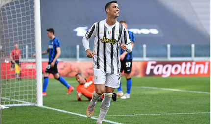 Ronaldo lần đầu tiên vui vẻ khi bị Pirlo cho