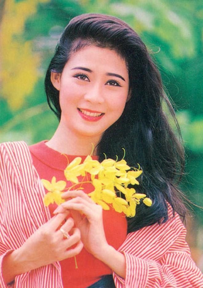Cuộc sống giàu sang, hôn nhân viên mãn của 3 biểu tượng nhan sắc Việt những năm 90