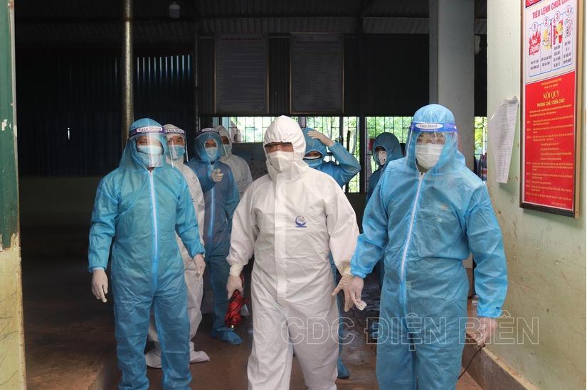 Điện Biên: Họp khẩn trong đêm vì phát hiện thêm 5 ca dương tính với SARS-CoV-2