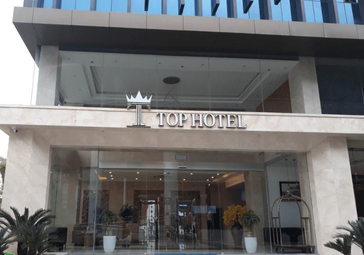 Phê bình khách sạn ra thông báo thu phí cho công an chống dịch của những người cách ly