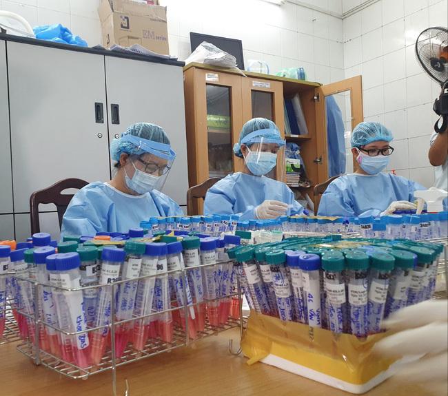 Đà Nẵng hỗ trợ 12.000 sinh phẩm xét nghiệm SARS-CoV-2 cho Bắc Giang và Bắc Ninh giữa dịch Covid-19