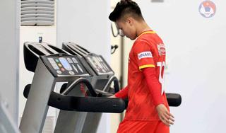 Vì sao HLV Park Hang Seo cho Quang Hải tập trong phòng Gym?