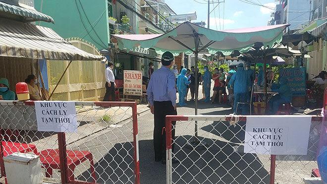 Phong tỏa, cách ly 300 người dân quận Bình Tân vì có F1 của ca dương tính Covid-19 ở quận 3