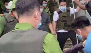 Hải Dương: Phó trưởng Công an huyện bị đối tượng dùng đinh ba đâm
