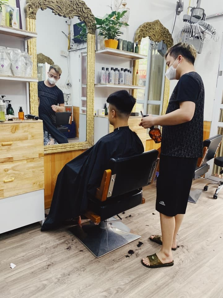 Hà Nội tạm dừng hoạt động cơ sở dịch vụ ăn uống, cắt tóc