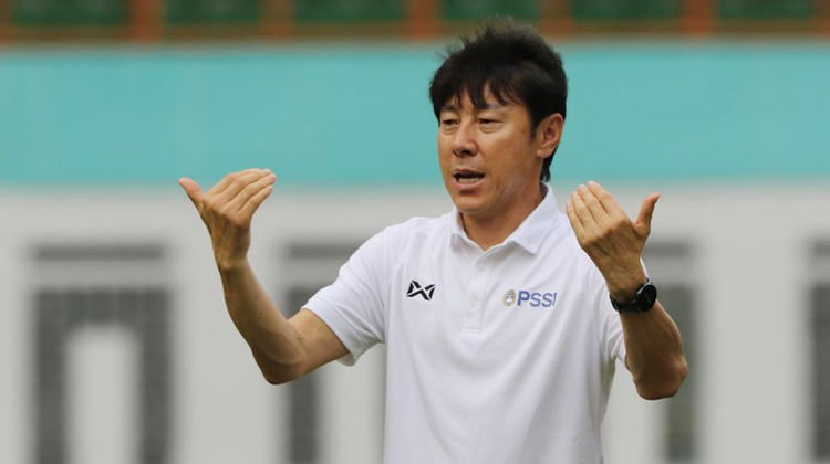 HLV Shin Tae Yong thất vọng vì cầu thủ cao 1m94 từ chối lên tuyển