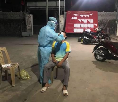 Giãn cách xã hội xã Diễn Bích có công dân mắc COVID-19 tại Lào