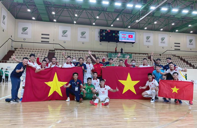 ĐT futsal Việt Nam được VFF thưởng lớn