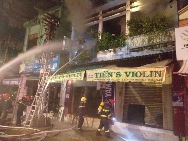 Vụ cháy nhà giữa đêm ở TPHCM, 2 nạn nhân đã tử vong