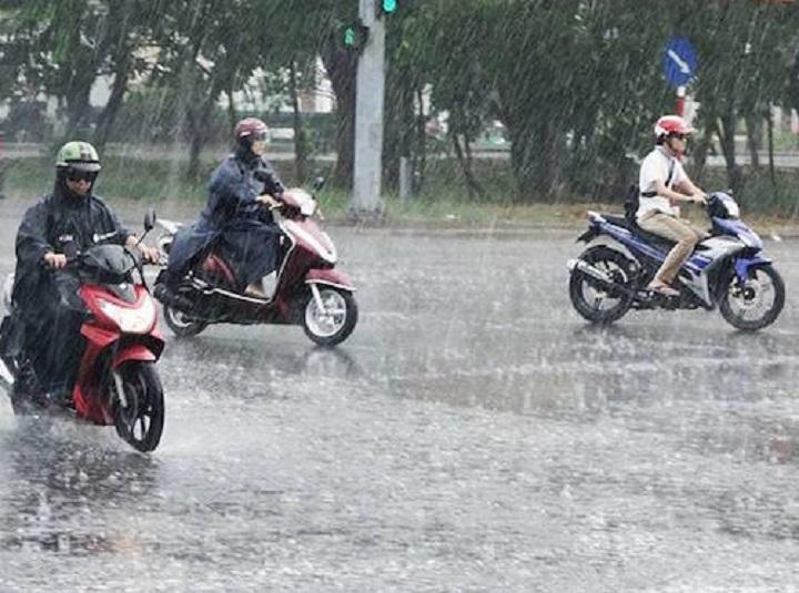 Miền Bắc sắp đón 2 đợt mưa dông liên tiếp