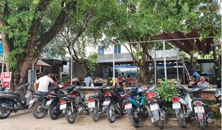 Bình Dương: Nhiều quán hàng chưa chấp hành Chỉ thị 15, hai chủ tịch phường bị lập biên bản