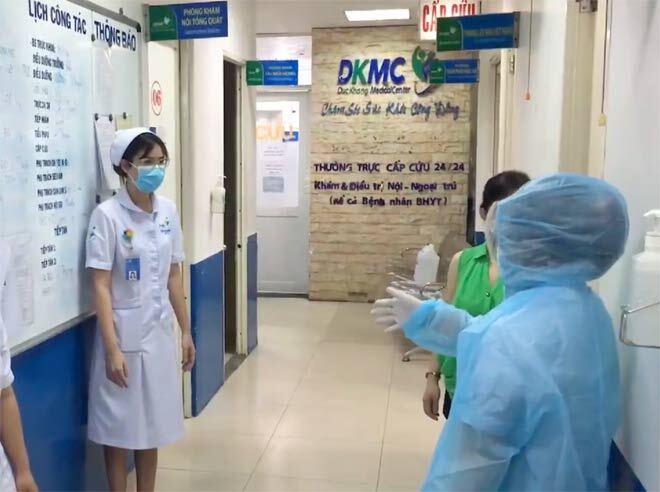 Đến bệnh viện khám cảm cúm, người đàn ông được test nhanh thì phát hiện dương tính với SARS-CoV-2