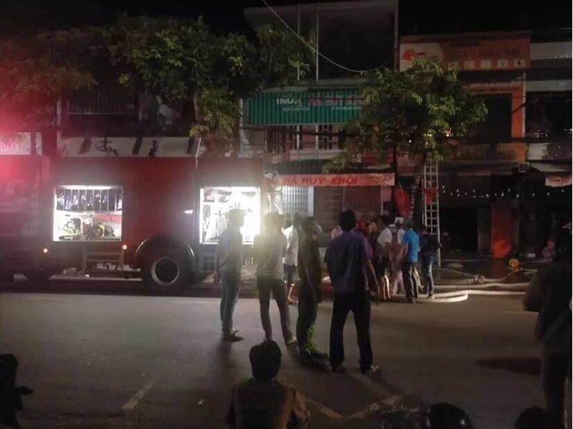 Quảng Ngãi lửa bốc cháy dữ dội, 4 người chết, trong đó có người vợ đang mang thai