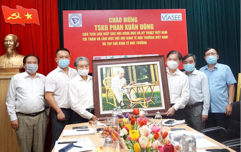 TSKH Phan Xuân Dũng, Chủ tịch VUSTA thăm, làm việc với VIASEE và TC Kinh tế Môi trường