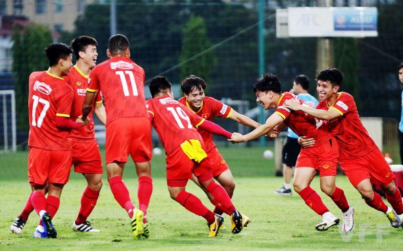 Việt Nam đánh bại UAE sẽ giúp Trung Quốc đi tiếp