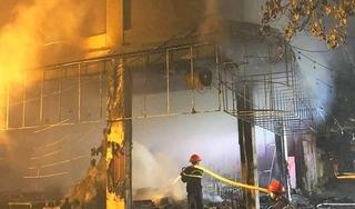 Nghệ An: Phòng trà bốc cháy dữ dội trong đêm, 6 người tử vong