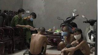 Bắc Giang: Tụ tập ăn nhậu, 3 người đàn ông bị phạt 45 triệu đồng
