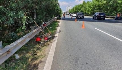 Truy tìm tài xế ô tô tông chết nam công nhân trên đại lộ Thăng Long