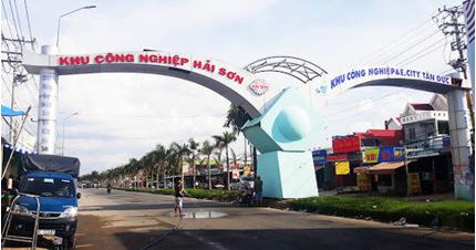 Long An: Phong tỏa một phần khu công nghiệp vì 3 công nhân nghi nhiễm Covid-19