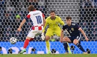 Luka Modric ghi siêu phẩm đưa Croatia vào vòng 1/8