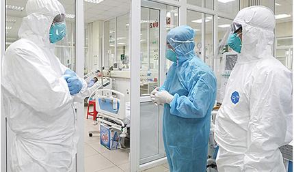 Thanh niên bị TNGT mới phát hiện dương tính SARS-CoV-2, nhiều bác sĩ thành F1