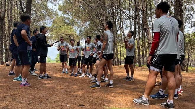 HAGL lên núi tập luyện chờ ngày V.League trở lại