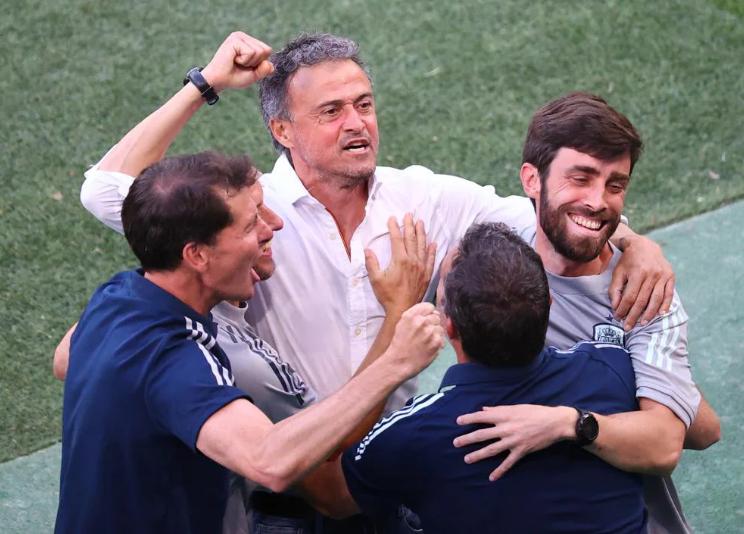 HLV Tây Ban Nha ca ngợi chân gỗ Alvaro Morata