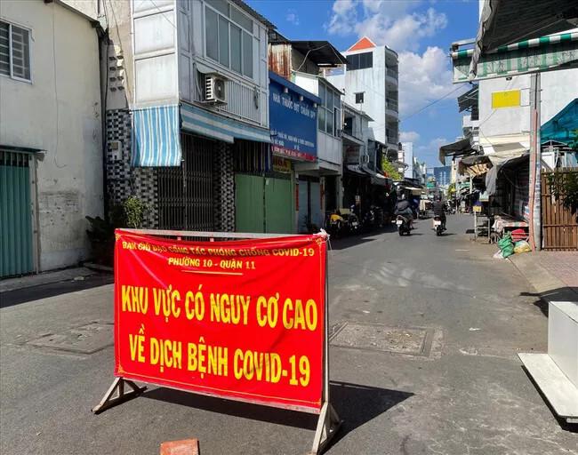 Phong tỏa một phần chợ Bà Chiểu, tạm đóng cửa chợ Bình Tiên, Hòa Hưng và một loạt chợ truyền thống