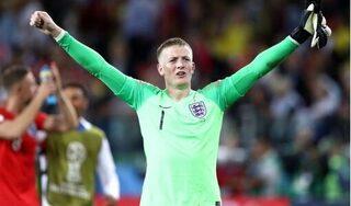 Thủ môn tuyển Anh nhắc nhở đồng đội