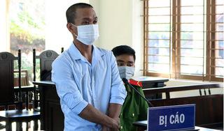 Thanh niên say rượu cầm gạch tấn công CSGT tại chốt kiểm dịch