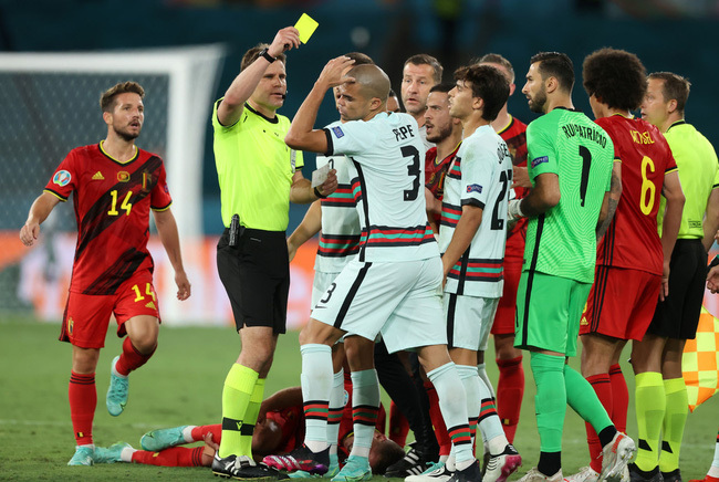 Trọng tài bắt trận Anh vs Ukraine trọng tài người Đức Felix Brych