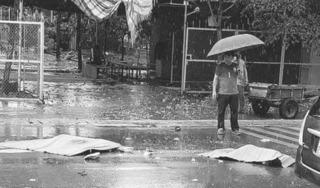 Hà Nội: Va chạm khủng khiếp với xe tải, đôi nam nữ tử vong thương tâm