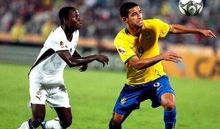 Trung Quốc mất tiền đạo gốc Brazil ở trận đấu với Việt Nam