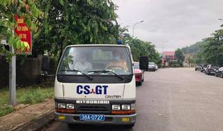 Để quên giấy tờ thi ở nhà, thí sinh được CSGT chở bằng ô tô chuyên dụng về lấy
