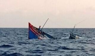 Chìm tàu cá, 7 ngư dân Nghệ An được cứu sống trong gang tấc