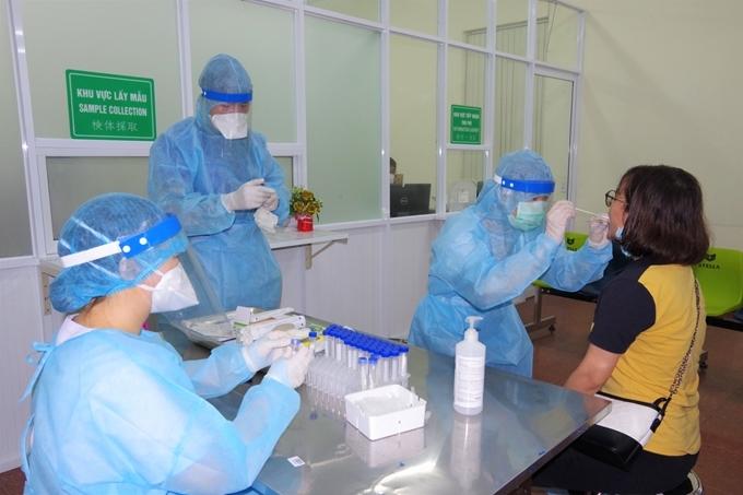 Toàn bộ người từ TP.HCM trở về Hà Nội từ ngày 23/6 sẽ được xét nghiệm Covid-19