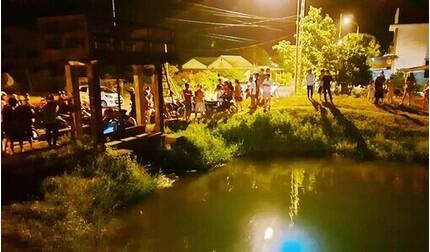 Quảng Trị: Xuyên đêm tìm kiếm bé gái mất tích sau khi nhảy xuống kênh nước cứu em