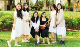 2 nữ sinh con nông dân nghèo được điểm Văn cao nhất tỉnh: