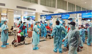 Hai chuyến bay miễn phí cất cánh rời TP.HCM, đưa gần 400 người dân Quảng Nam về quê