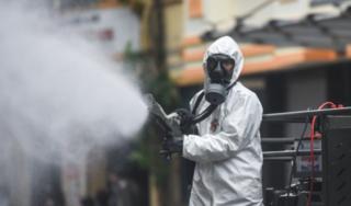 Bộ Y tế đề nghị không phun khử khuẩn ngoài trời do hiệu quả kém