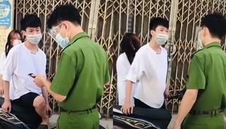 Thiếu niên chửi bới, xúc phạm công an khi được yêu cầu kiểm tra giấy tờ