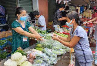 TP.HCM yêu cầu khẩn mở lại chợ truyền thống