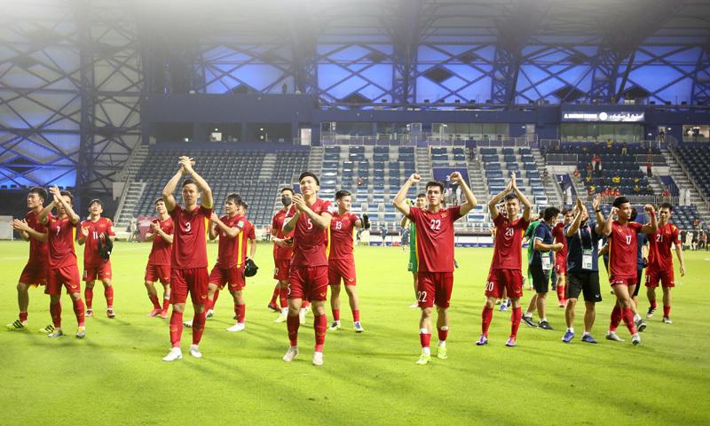 Đá sân trung lập không bất lợi cho tuyển Việt Nam