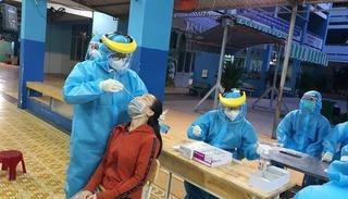 Đi khám để lấy giấy thông hành, người phụ nữ ở Hà Nội phát hiện dương tính Covid-19