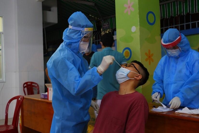 Thêm 34 ca dương tính SARS-CoV-2 tại Nghệ An, có 7 ca trong cộng đồng