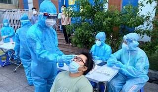 Sốt, mệt mỏi người phụ nữ ở Hà Nội đi khám phát hiện dương tính Covid-19