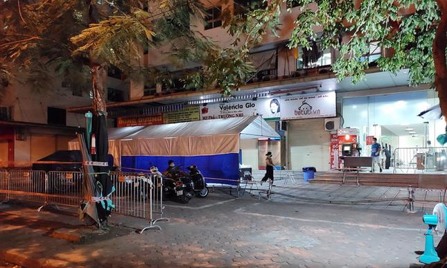 Phong tỏa tòa HH4C Linh Đàm với hơn 3.000 dân