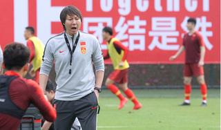 Lương của HLV tuyển Trung Quốc thua xa HLV Park Hang Seo