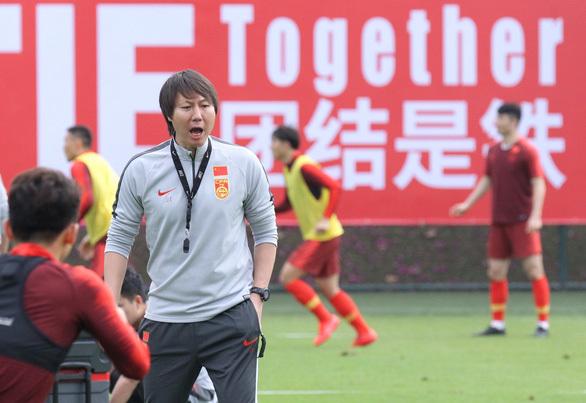 Trung Quốc trả lương HLV tuyển nhà thua xa HLV Park Hang Seo
