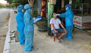 Mệt mỏi, người đàn ông ở Hà Nội đi khám phát hiện dương tính Covid-19